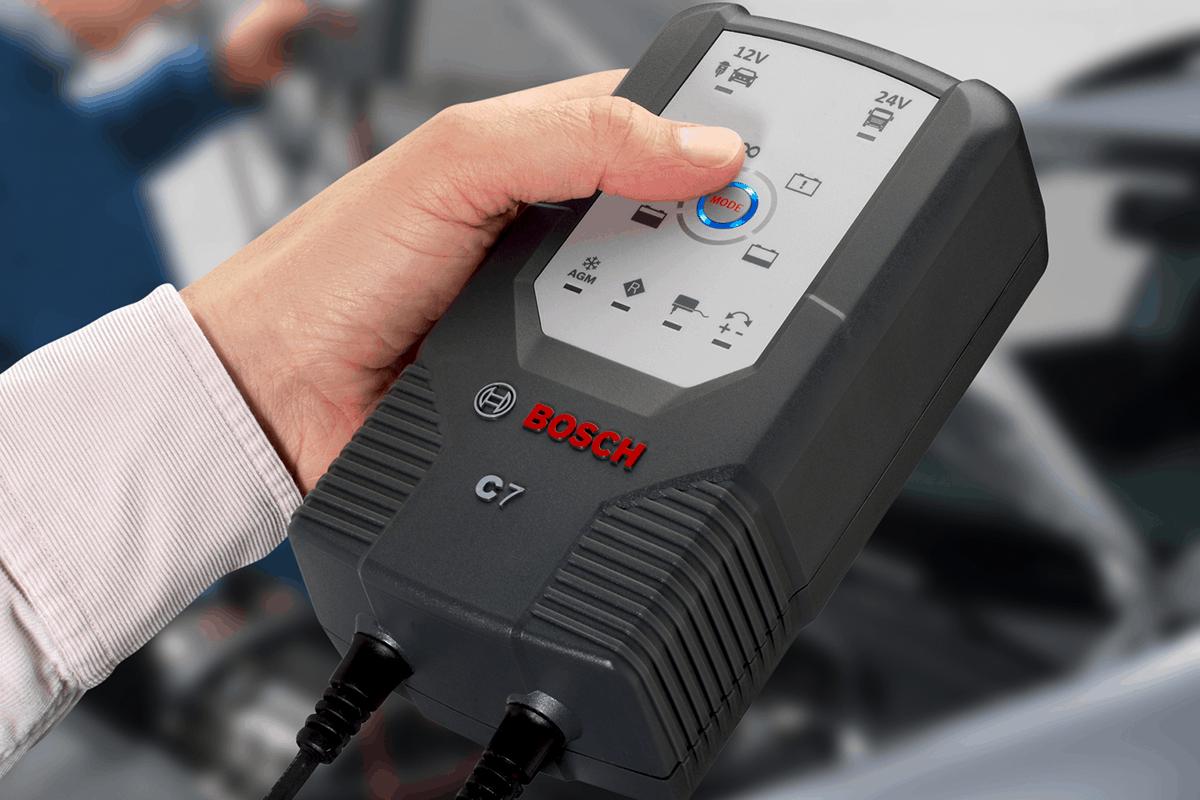 Bosch Batterieladegerät C7